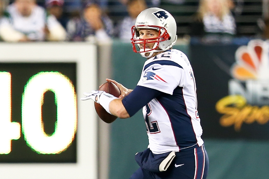 EAST RUTHERFORD, NJ - NOV 22: New England Patriots quarterback T